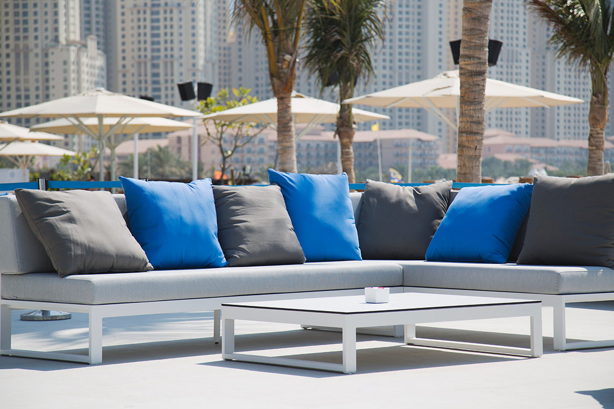 Zero_Gravity_DUbai_Outdoor_furniture_pool_Parasol0037